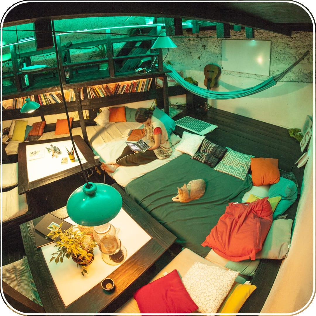 MEISO-Relaxation-Paris-insolite-Oasis-Mezzanines-salon-detente-centre-flottaison